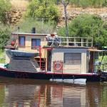 Great 10 Tips for Rebuilding a Houseboat