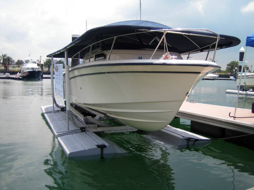 A floating boat lift by Sunstream Boatlifts.