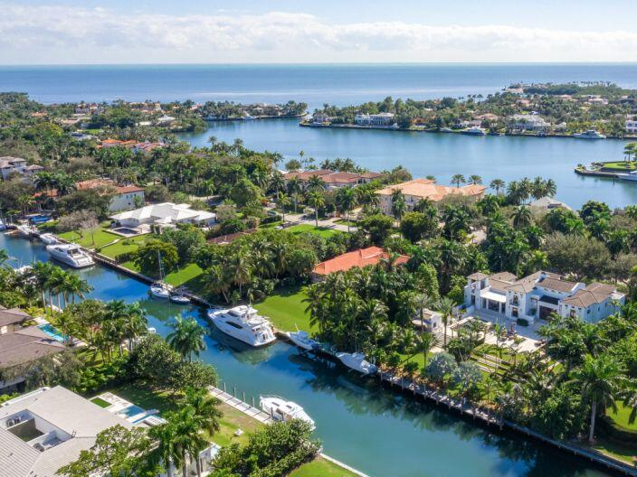 Millionaire waterfront home in Coral Gables