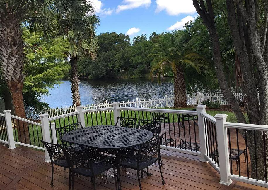 Gorgeous below 500k waterfront property in West Ashley for sale by owner.